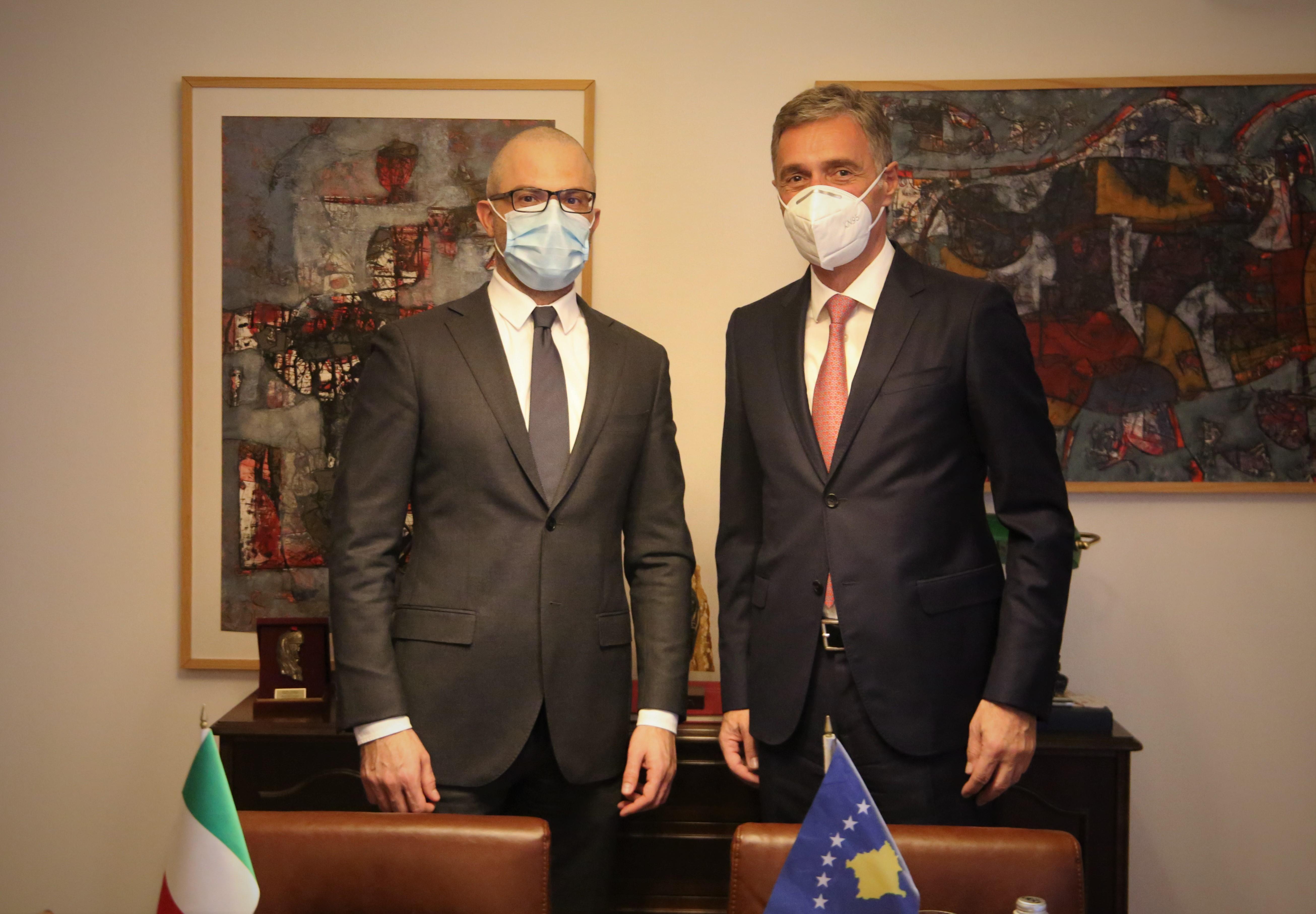 Kryeprokurori i Shtetit, Aleksandër Lumezi, priti në takim Ambasadorin e Italisë në Kosovë, Nicola Orlando