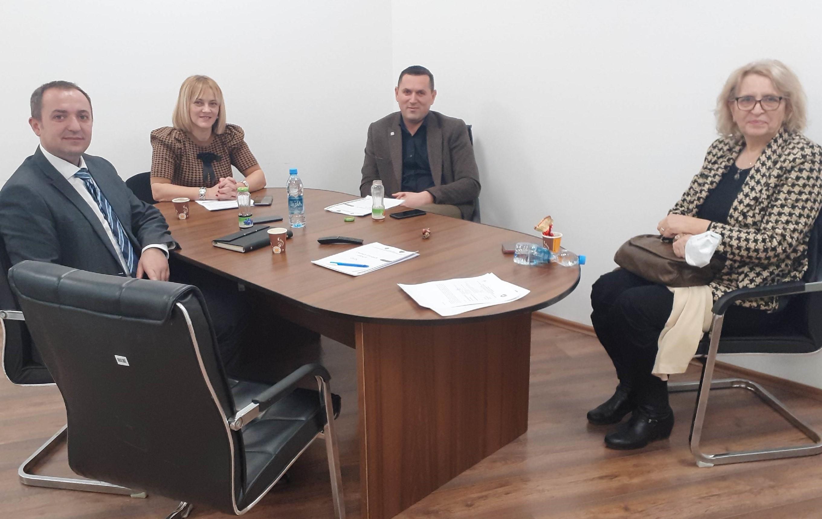 Komisioni për Administrimin e Prokurorive mbanë takimin e fundit për këtë vit