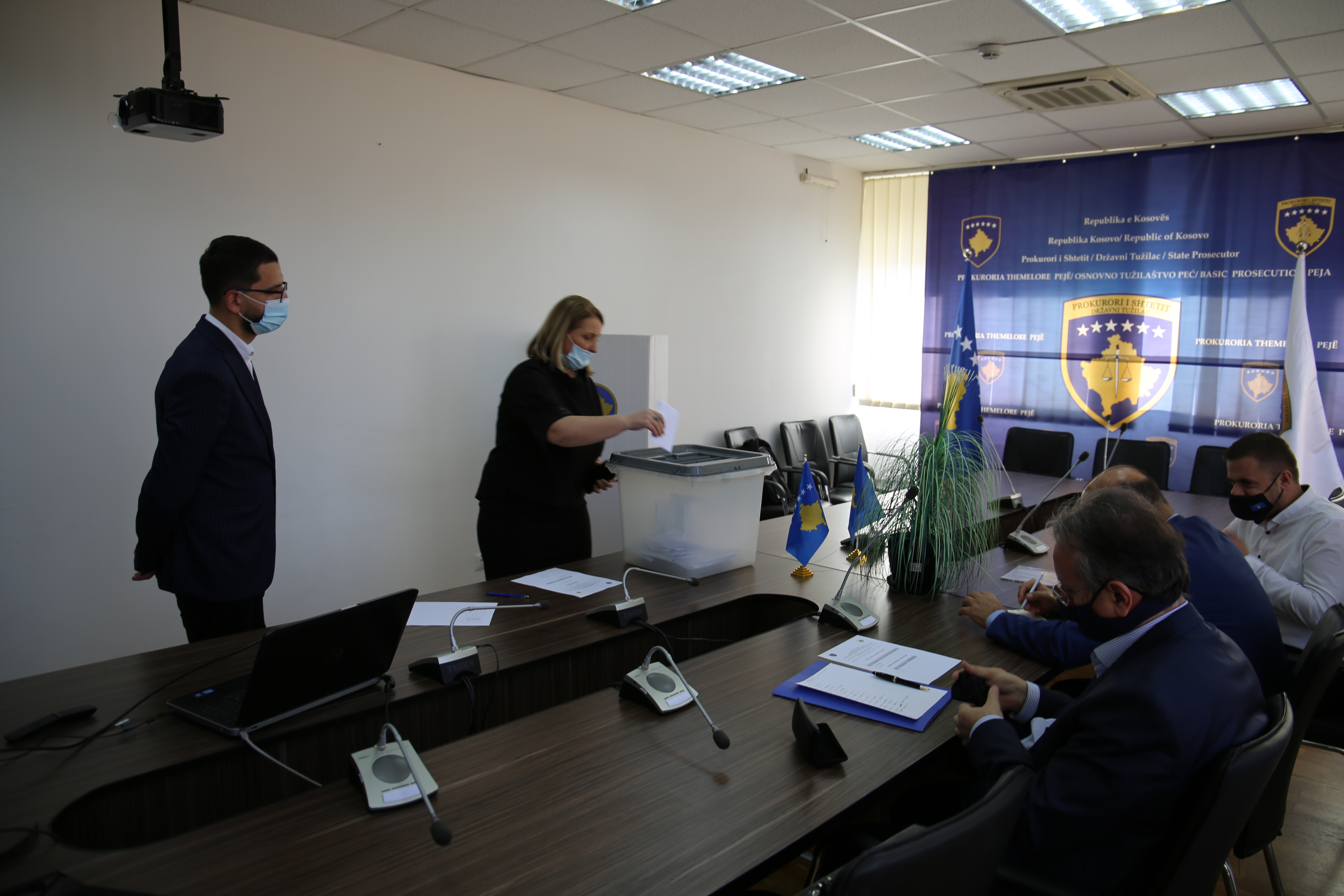 Voting process for the election of KPC members from the ranks of the Basic Prosecution of Mitrovica and Peja takes place
