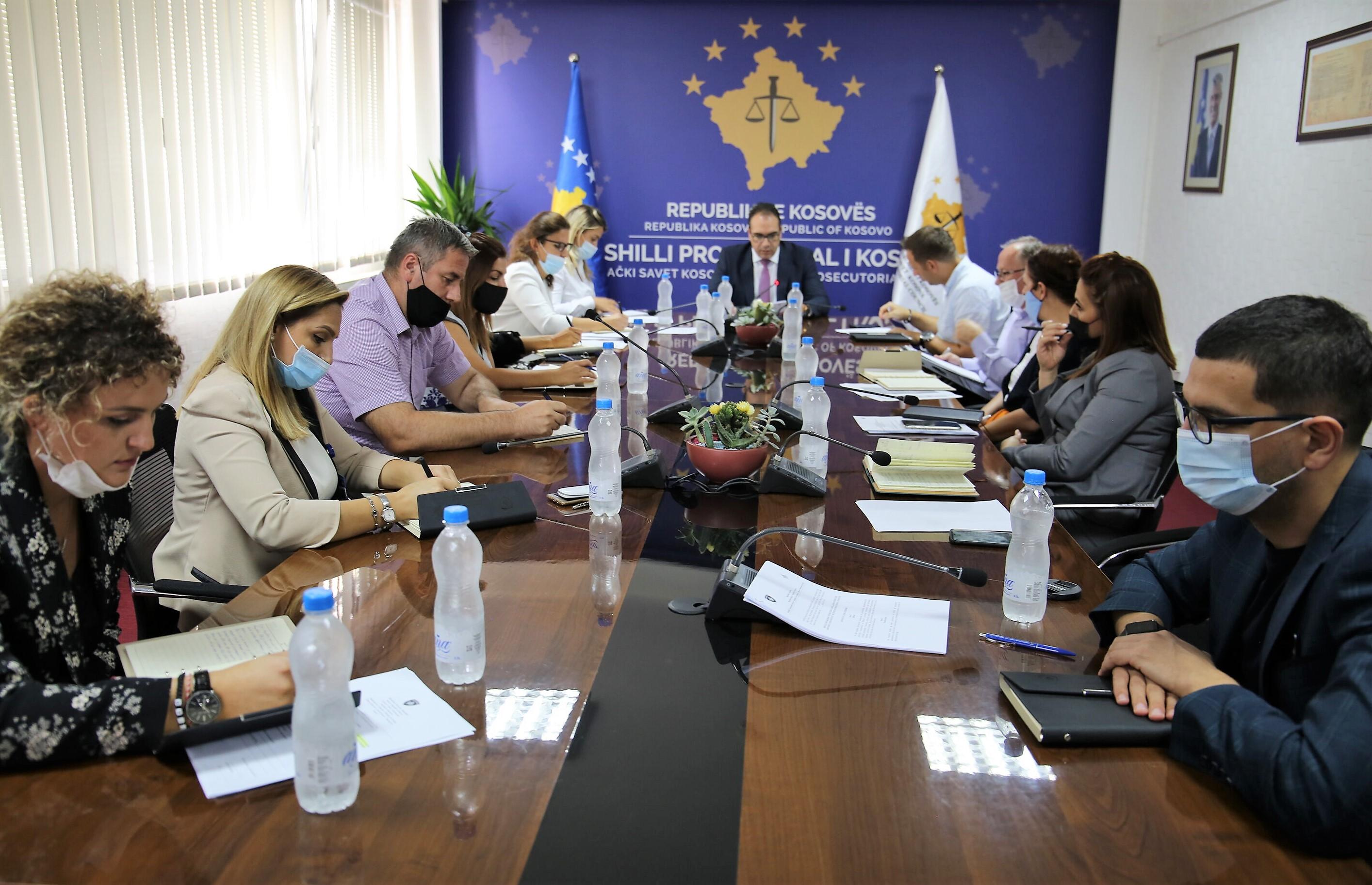 Drejtori Krasniqi ka mbajtur takim me udhëheqësit e njësive të Sekretariatit