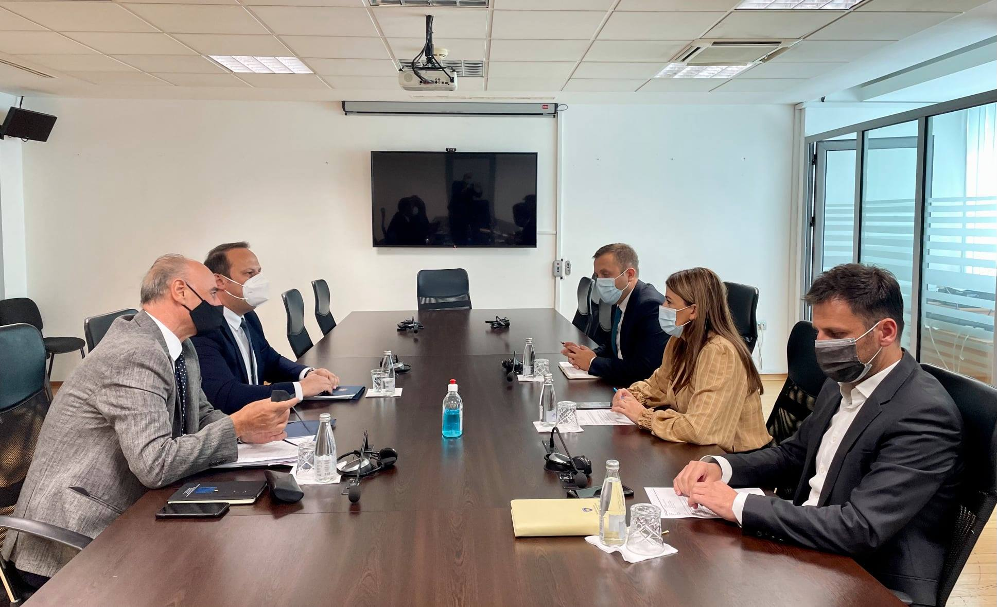 Strategija za Vladavinu Prava u fokusu sastanka između Predsedavajućega Maloku i Ministarke Haxhiu