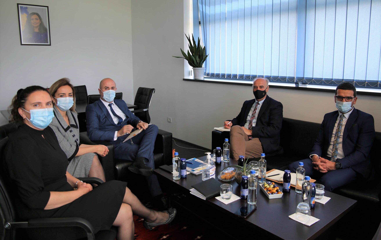 Kryesuesi Maloku ka vizituar Prokurorinë e Apelit dhe atë Themelore të Prishtinës