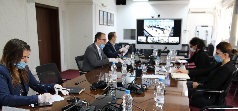 Mbahet takim me administratorët e prokurorive përmes videokonferencës
