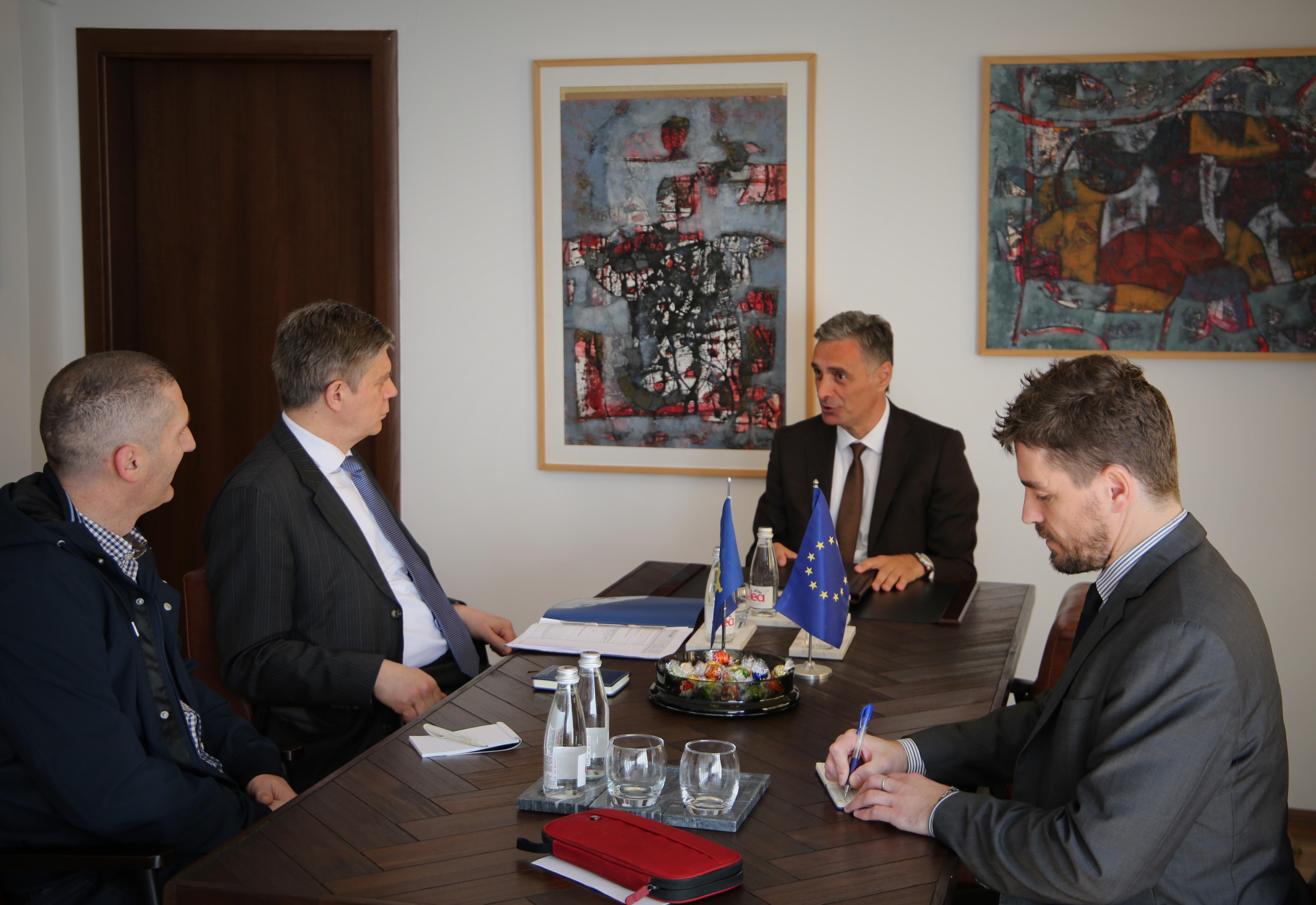 Kryeprokurori i Shtetit, Aleksandër Lumezi, priti në takim shefin e EULEX-it, Lars – Gunnar Wigemark