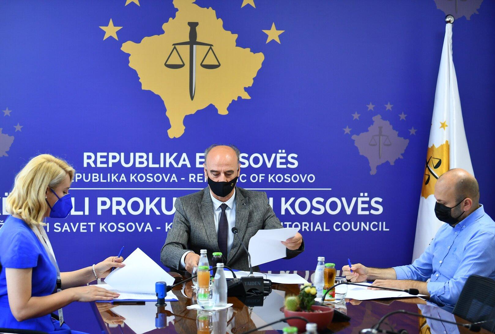 Nënshkruhet memorandum mirëkuptimi në mes të KPK-së, organizatave përfaqësuese të shoqërisë civile dhe komunitetit të gazetarëve