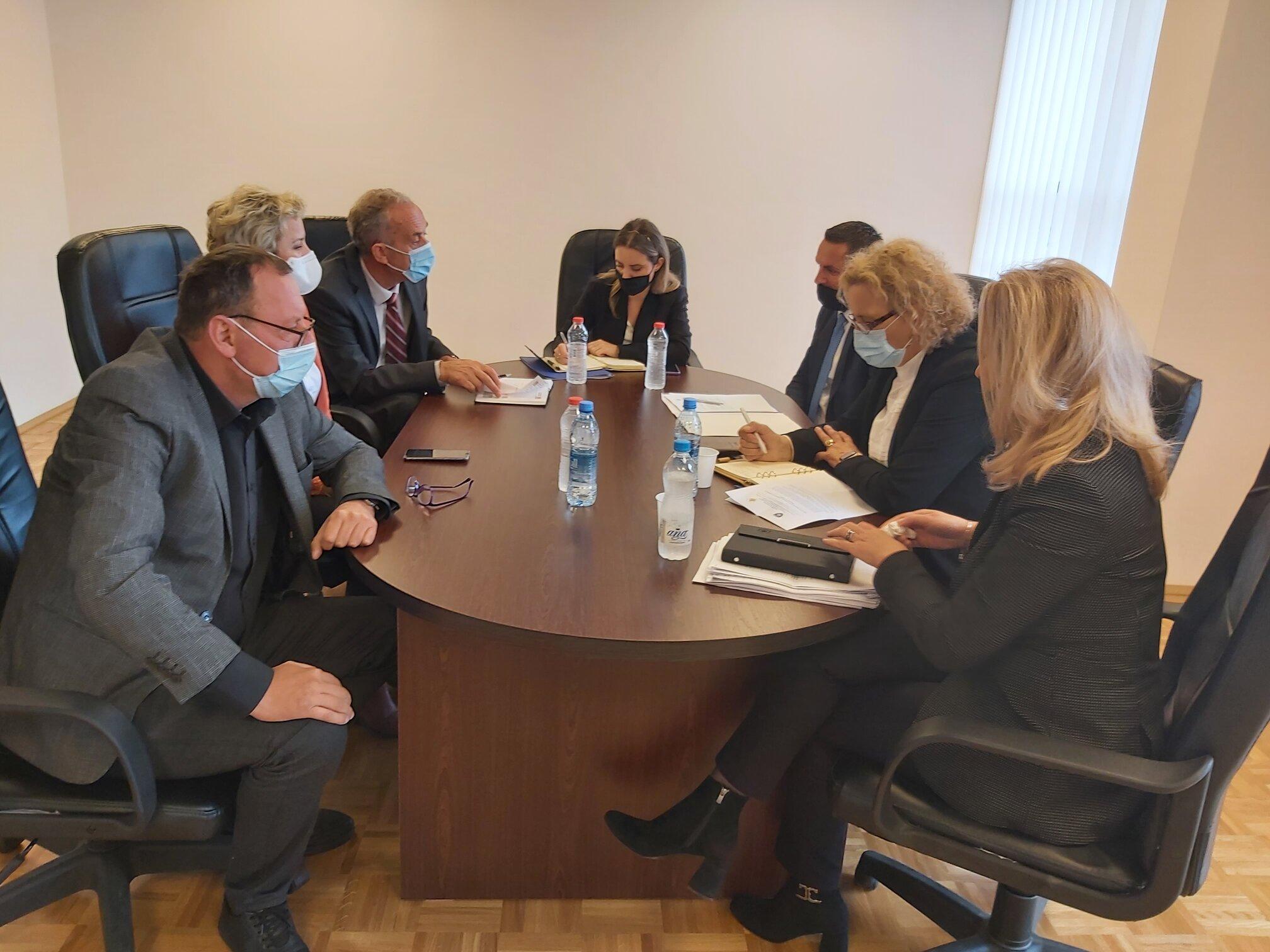 Komisioni për Administrimin e Prokurorive viziton Prokurorinë Themelore të Gjakovës