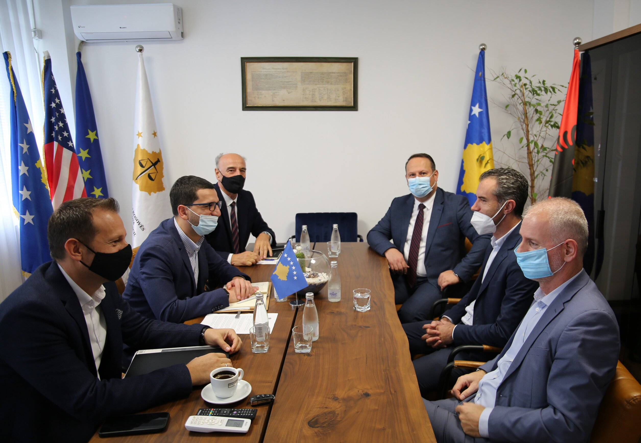Chairs Maloku and Zogaj discuss the preparation of the new phase of the ICT-CMIS project